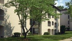 Glen Oaks Apartments exterior