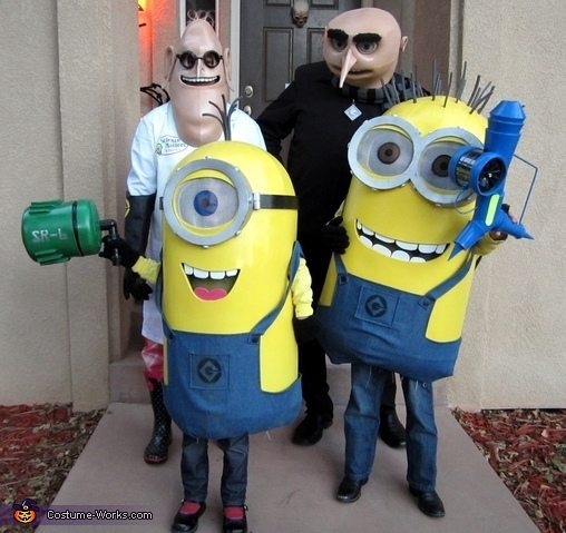 despicable-me-family-costume