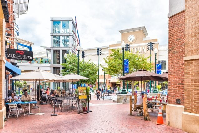 Silver Spring: Downtown area of city in Maryland with shopping mall, restaurants and shops
